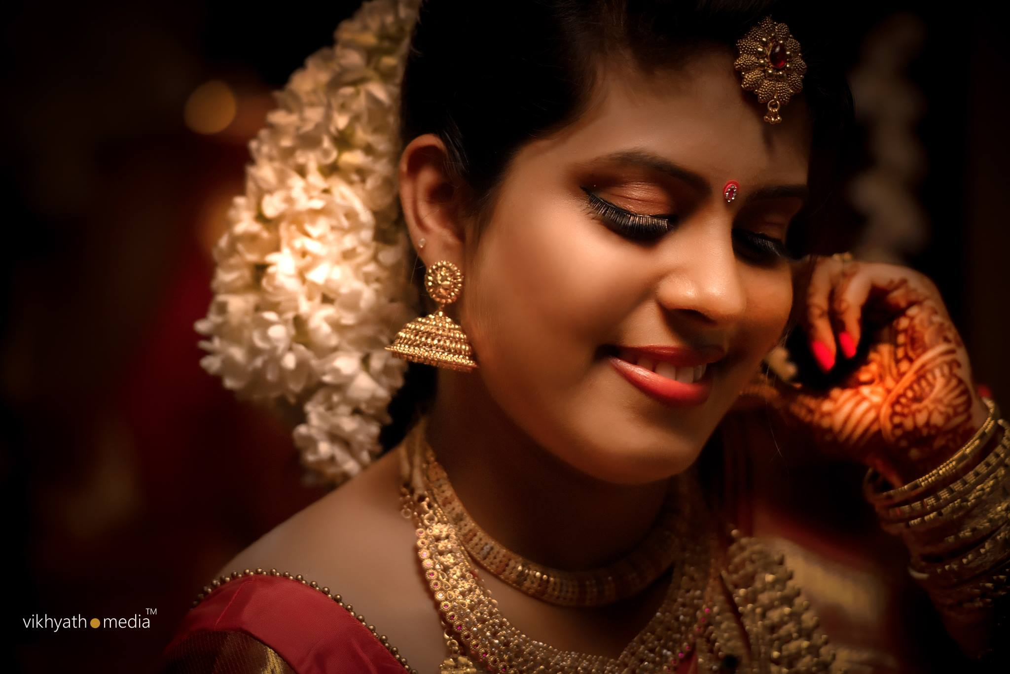 Kerala bride eye makeup
