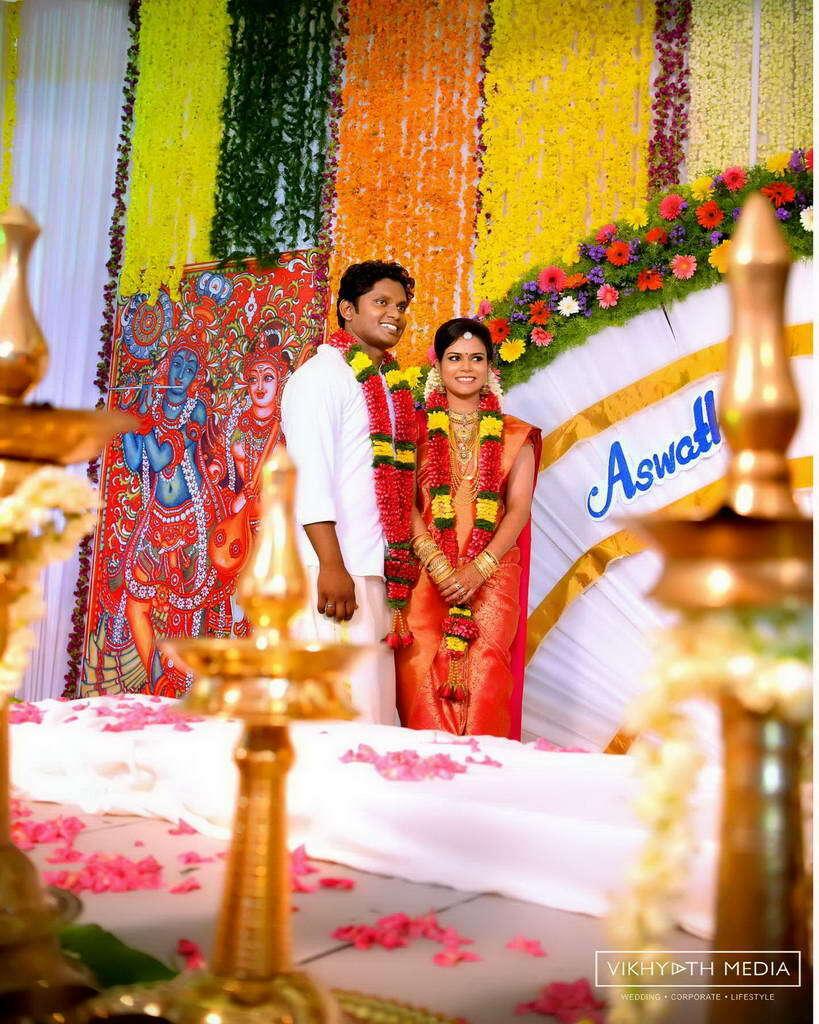 Wedding Hairstyle Kerala: Traditional Hindu Wedding Photography At Pandalam